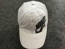 NIKE SWOOSH MENS BASEBALL CAP,WHITE & GREY COLOUR.ADJUSTABLE BACK,ONE SIZE