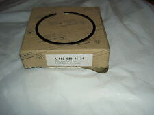 MERCEDES M103 ENGINE PISTON RING 103940 103942 NEW GENUINE A 0020304624