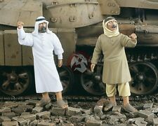 "Verlinden 1/35 'Arab Street' ""Anger"" Civilian Men Protesting (2 Figures) 2070"