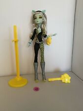 Monster High - Freaky Fusion - Frankie Stein as Clawdeen Wolf Doll