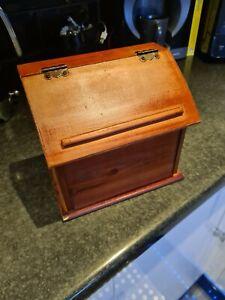 VIntiquewise Wooden Podium Recipe Box
