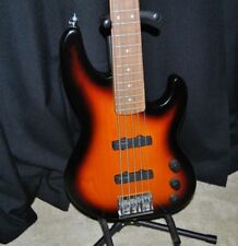 FENDER AMERICAN 5 STRING JAZZ BASS