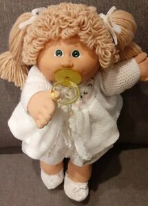 Cabbage Patch Kids Poodle Double Pony Green Eyes Sweater Pacifier Diaper KT83