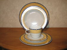 WINTERLING BAVARIA *NEW* YELLOW STONE Set 3 assiettes + 1 tasse avec soucoupe