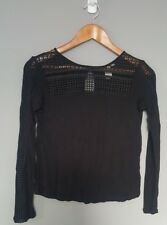 H&M Shirt Little black diamond cut out top Sz: X-small womens