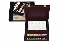 Rembrandt Artists Water Colour Wooden Box - TRADITIONAL - Half Pans (05840004)