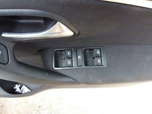 VOLKSWAGEN POLO POWER WINDOW SWITCH RH FRONT (MASTER SWITCH), 6R 29004 Kms