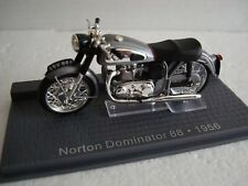 Norton Dominator 88 silber 1956 Topmodell  1:24