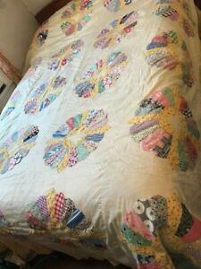 Antique 20s-40s vintage summer quilt beautiful dresden plate top holly hobbie??