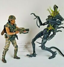 NECA Aliens CORPORAL DWAYNE HICKS vs XENOMORPH WARRIOR Deluxe Great Condition