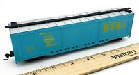 AHM HO Scale Model Train DTI32246 Blue Box Car Train