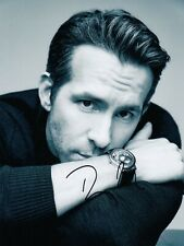 Ryan Reynolds Signed Auto 8 x 10  Photograph