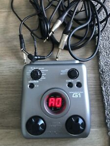 Zoom G1 Guitar Multi-effects Pedal Great Condition Plus Guitar Speaker Cables