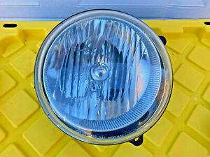 2005 2006 2007 Jeep Liberty Headlight Right Passenger RH Mopar 55157140AA OEM