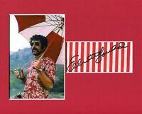 Elliott Gould MASH Trapper John McIntrye Rare Signed Autograph Photo Display