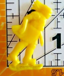 Vintage YELLOW ROLLER SKATING GIRL Cracker Jack Gumball Toy Prize Premium 4A