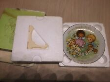 """Avon Mother's Day 1983 Plate & Easel 5"""" """"Love Is A Song For Mother"""""""