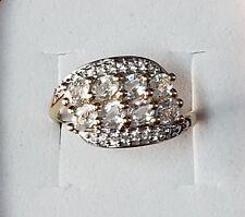 10k yellow gold White Sapphire ring Size 8/ Anillo de Oro