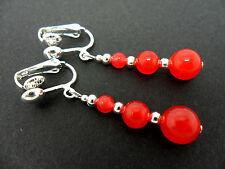 Un Par De Colgantes Rojo Jade Plateado Clip en pendientes.