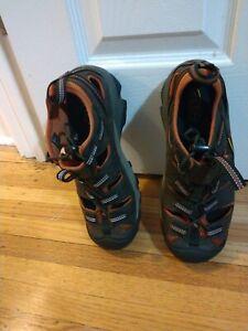 KEEN Waterproof boots , Brand New, Size 8