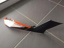 UN CACHE LATERAL DROIT CARENAGE PLASTIQUE COQUE ORIGINE MOTO KTM 125 DUKE 2013