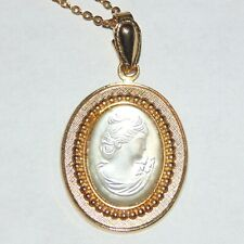 """Vintage frosted glass cameo gold tone pendant necklace, 18"""" chain length"""