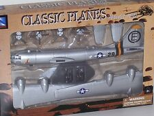 B-29 Superfortress New Ray Airplane 1:72 Scale Unassembled Plastic Model Kit New