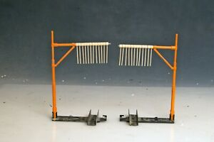 2 Lionel Tell Tale Poles 3424 for use with Giraffe Car