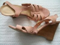 J Crew Pink Suede Wedge Sandal Ankle Strap Open Toe Gold Hardware Made in Italy