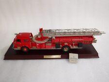 Franklin Mint 1/32 , 1954 American Lafrance  Fire Engine   + Display Plinth