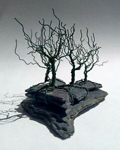 Wire Tree Sculpture. Bonsai Tree Forest. Handmade. OOAK. Miniature tree. Green.