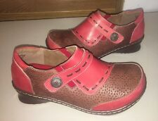 L'Artiste by Spring Step clogs, Burbank, red leather, size 39 ($109.99)