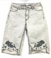 Downeast Light Gray Embroidered Bermuda Shorts Sz 4 Fowers