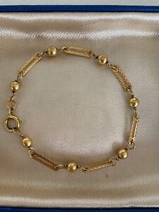 18ct Solid Yellow Gold Fancy Pierced Link / Open Bar & Ball  Bracelet   15.5 cms