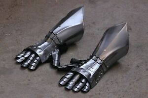 Antique 18 Guage Steel Medieval Knight Gothic Pair Of Gauntlets Gloves Armor