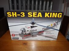 SH-3 SEA KING HELICOPTER 1/72 SCALE MODEL KIT, LINDBERG, SKILL 2, NIB, 2007