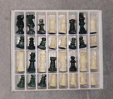 Schachfiguren aus Stein