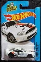 HOT WHEELS '10 FORD SHELBY GT500 HW CITY #32 - WHITE & BLACK - LONG CARD - NEW