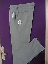 """lot 3 pantalons homme  """" TAILLE 38  """" 2 vert et un gris"""