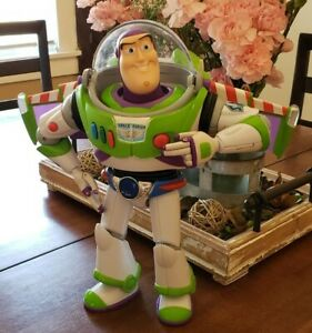🔥🔥 Buzz Lightyear Anti Gravity Utility Belt - Toy Story Signature Collection