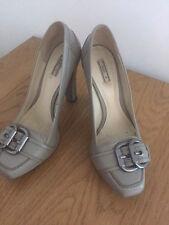 belles chaussures ZARA beige talon 12cm T:38