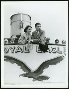 """VIVIEN LEIGH + LAURENCE OLIVIER """"21 DAYS TOGETHER"""" Original Vintage 1940 Photo"""