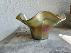 "C146 Fenton PEACOCK TAIL Green Carnival Glass 5¾"" x 3"" Ruffled Hat Vase"