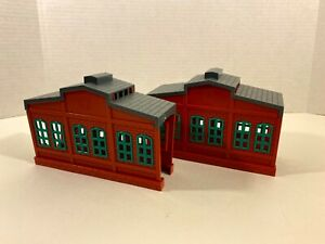 Lot of 2 Engine Sheds for TOMY Thomas & Friends Motor Road & Rail / TrackMaster