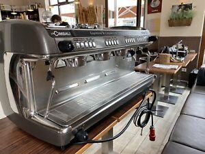 La Cimbali M39 Siebträgermaschine, Mühle on Demand Espressomaschine Kaffeemühle