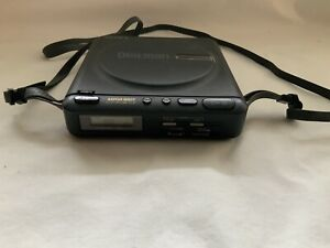 RETRO SONY D-22 DISCMAN MEGA BASS PORTABLE DISC PLAYER WORKING