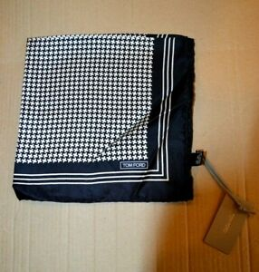 $165 NWT TOM FORD Black and white puppytooth & border Men's silk pocket square