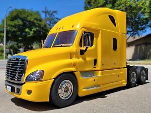 Tamiya RC 1/14 Cascadia Freightliner Truck + MFC-01 Sound LED Unit+Futaba 2.4Ghz