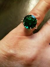 5.00 CT RUSSIAN EMERALD & (2 PCS ) DIAMOND 10KT SOLID WHITE GOLD RING SIZE 7