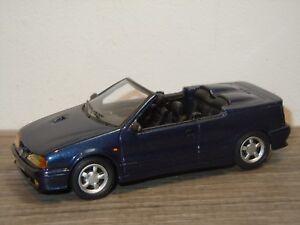 Renault 19 16S Cabriolet - Macadam Plus France 1:43 *36407